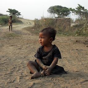 Open by Udaybhanu Sarkar - Babies & Children Children Candids ( child, village, dust, candid, baby,  )