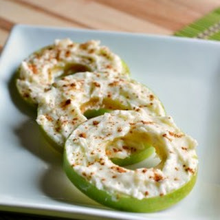 Cinnamon & Cream Cheese Fruit Dip Apple Rings Snack