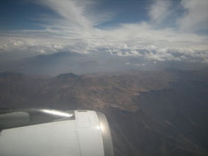 Photo: クスコへ 空路で高地に入るのは初めて 高山病必須