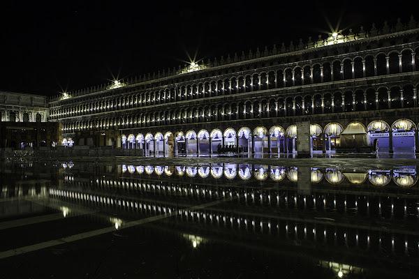 Acqua alta a Venezia di Antonio Piazza