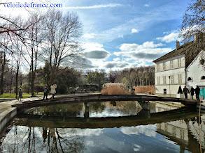 Photo: La balade commence à Bercy village et son parc romantique -e-guide balade à vélo de Bercy Village à Notre-Dame par veloiledefrance.com