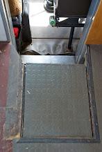 Photo: Durchgang zur Fahrerkabine - ne Stufe wäre nicht schlecht..