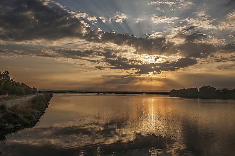 alba sullo stagno di Cabras di artu
