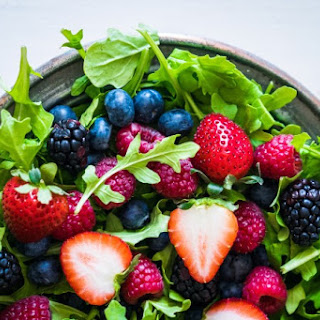 Berry & Arugula Salad