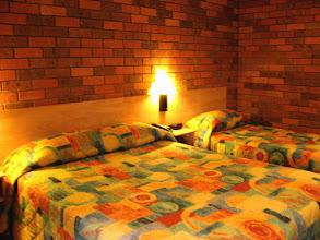 Photo: 020-All Seasons Katherine La chambre est assez spacieuse et confortable