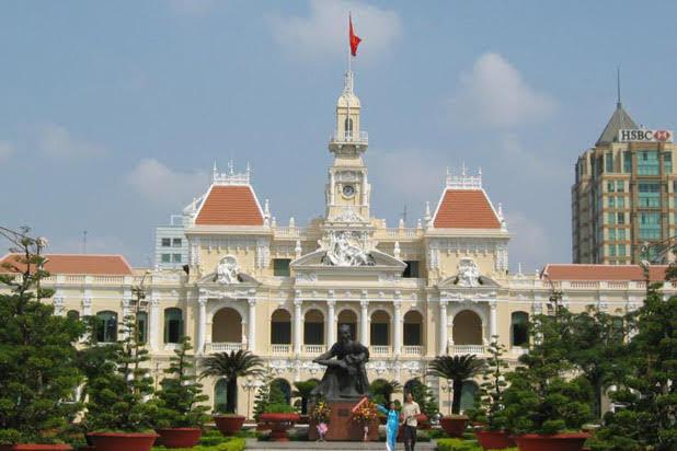 The elegant S shape of Vietnam