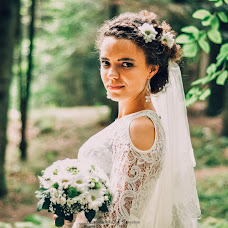 Wedding photographer Olya Stenishin (olyastenyshyn). Photo of 19.11.2015