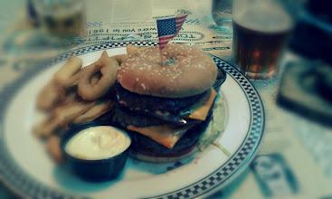 Photo: Un vrai hamburger, bien mieux qu'au McDo !