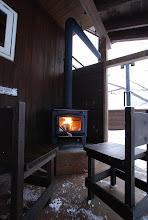 Photo: 外暖炉 Outside stove 玄関横にあります 位于玄关的户外火炉