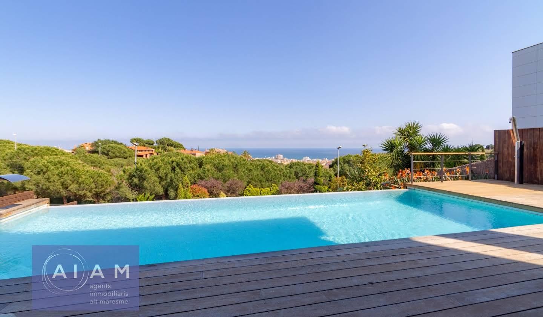 Maison avec piscine et terrasse Calella