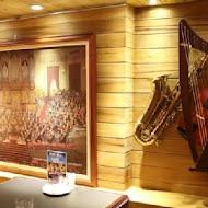 荒漠甘泉音樂音響主題餐廳