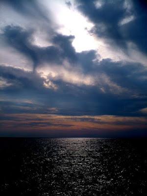 Nuvole, tramonto, mare di MARSA