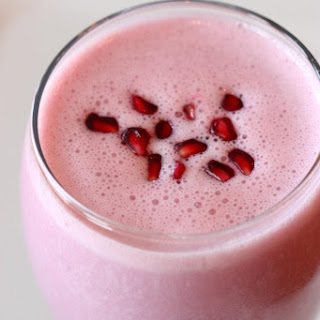 Pomegranate-Berry Smoothie