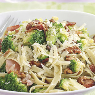 Fettuccine with Broccoli and Bacon