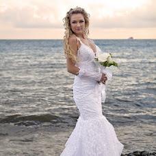 Wedding photographer Aleksandr Rogovec (SashaRo). Photo of 10.02.2013