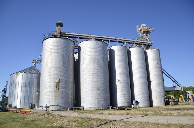 Man trapped for hours in grain silo