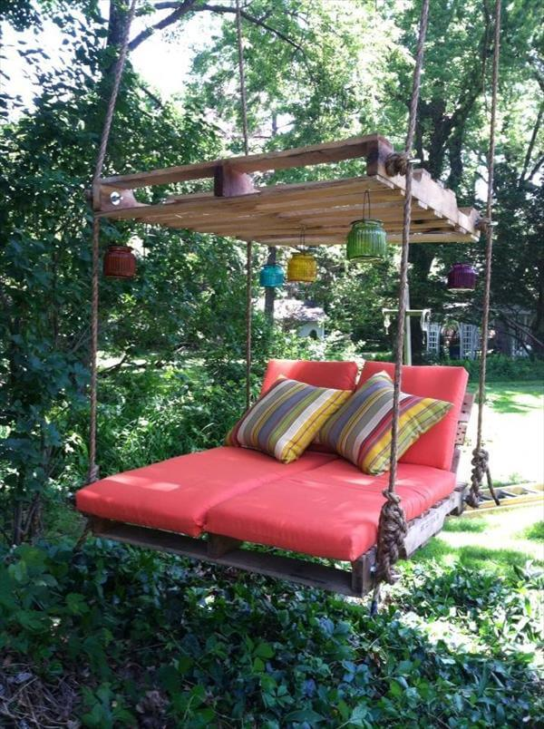 Small Suspended Bed Made from Pallets: These 12 DIY Outdoor Pallet Furniture Ideas will add some flare to your outdoor space and save you money.