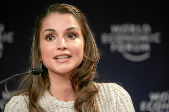 Photo: DAVOS/SWITZERLAND, 26JAN07 - H.M. Queen Rania of the Hashemite Kingdom of Jordan, Member of the Foundation Board of the World Economic Forum captured during the session 'Wisdom of Youth' at the Annual Meeting 2007 of the World Economic Forum in Davos, Switzerland, January 26, 2007.  Copyright by World Economic Forum    swiss-image.ch/Photo by Remy Steinegger  +++No resale, no archive+++