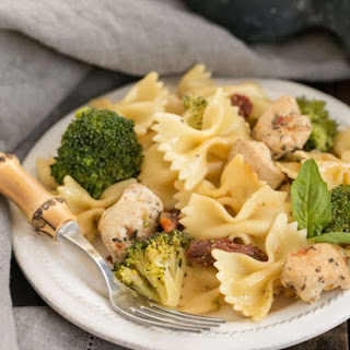 Chicken with Broccoli, Sun-Dried Tomatoes and Bow Tie Pasta Recipe