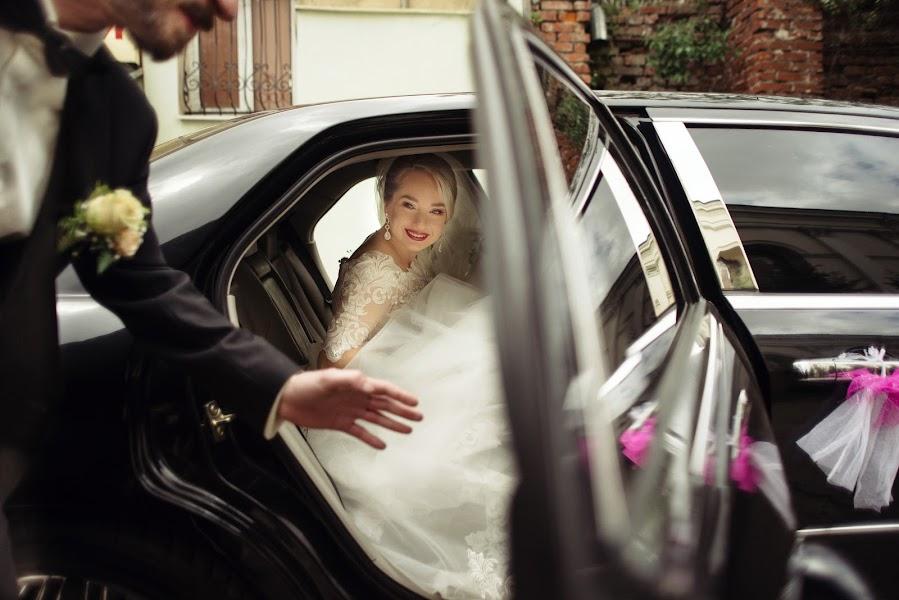 Wedding photographer Yarema Ostrovskiy (Yarema). Photo of 07.06.2016