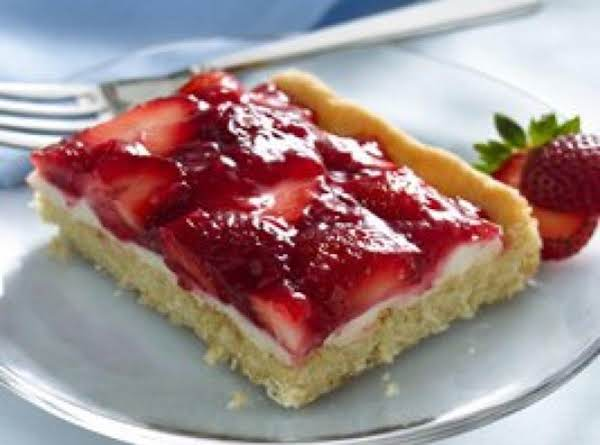 Strawberries And Cream Dessert Squares Recipe