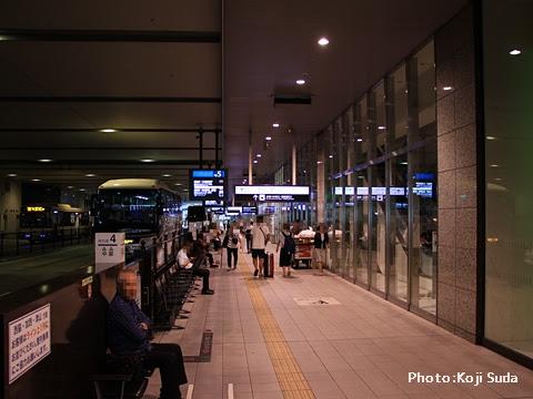 大阪駅JR高速バスターミナル_01