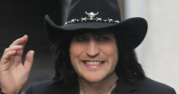 Noel Fielding can't wear black on Great British Bake Off
