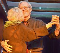Photo: Rosemarie Simonsen og Johan Johansson danser på scenen
