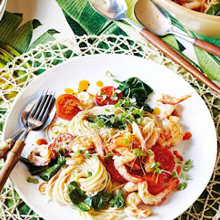 Prawn And Spinach Angel Hair Pasta With Prawn Oil.