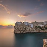 Alba a Polignano a Mare, Puglia. di