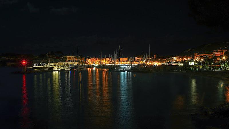 Cala la notte sulla Costa azzurra. di fulviomagaglio