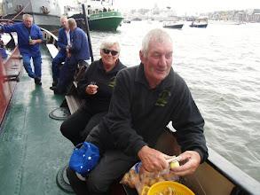 Photo: Telly en Gerard zijn mee aan boord. Wat een fantastische hulpkrachten