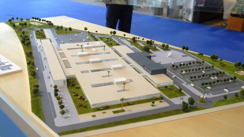 La maqueta del futuro hospital de Roquetas de Mar que se presentó hace ya más de una década.