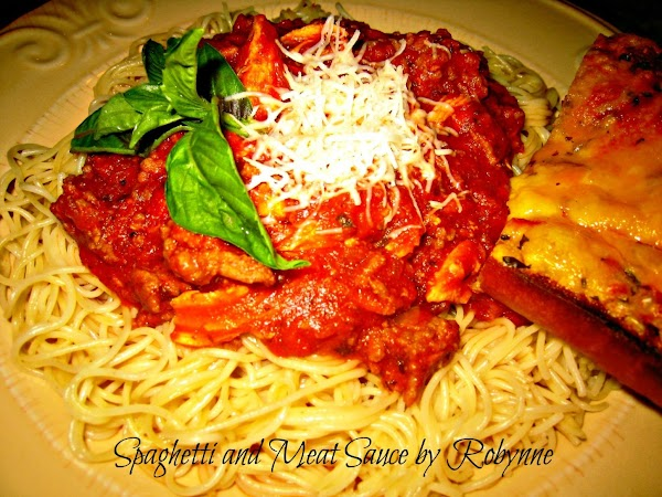 Robynne's Spaghetti With Meat Sauce Recipe