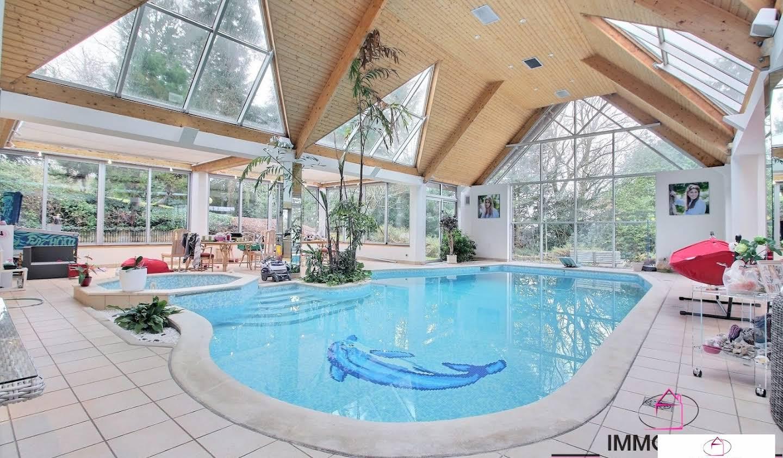 Maison avec piscine Saint-Aubin-le-Vertueux