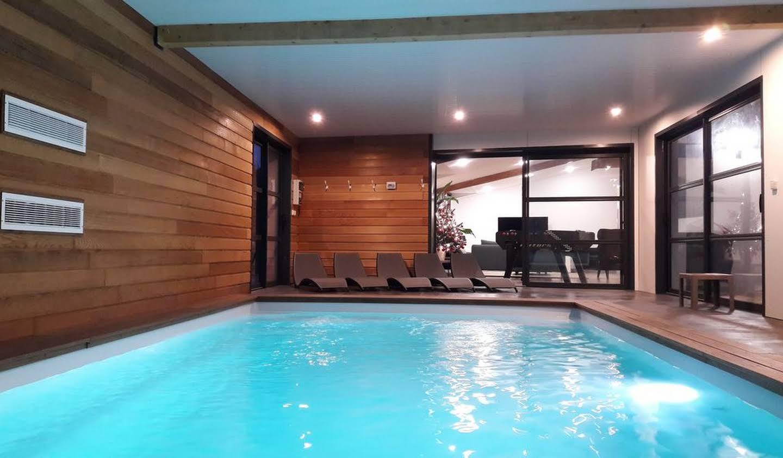 Villa avec piscine en bord de mer Plouescat