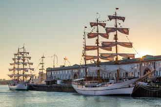 Photo: Tall ships before sunrise, Boston, Massachusetts, USA