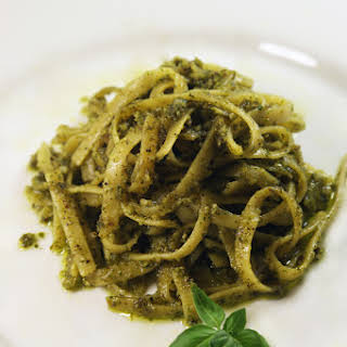 Linguine With Arugula (and basil!) Pesto.