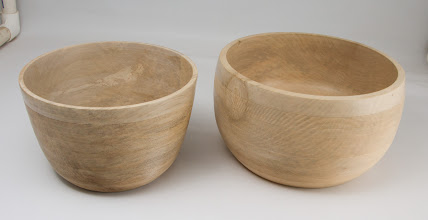 "Photo: Stan Wellborn 8""x 8"" & 9"" x 8"" inscribed bowls [holly]"