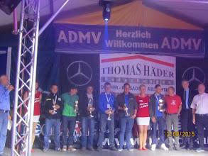 Photo: Siegerehrung der Trabis Fotograf: Jörg Vach (dritter von rechts ,-)