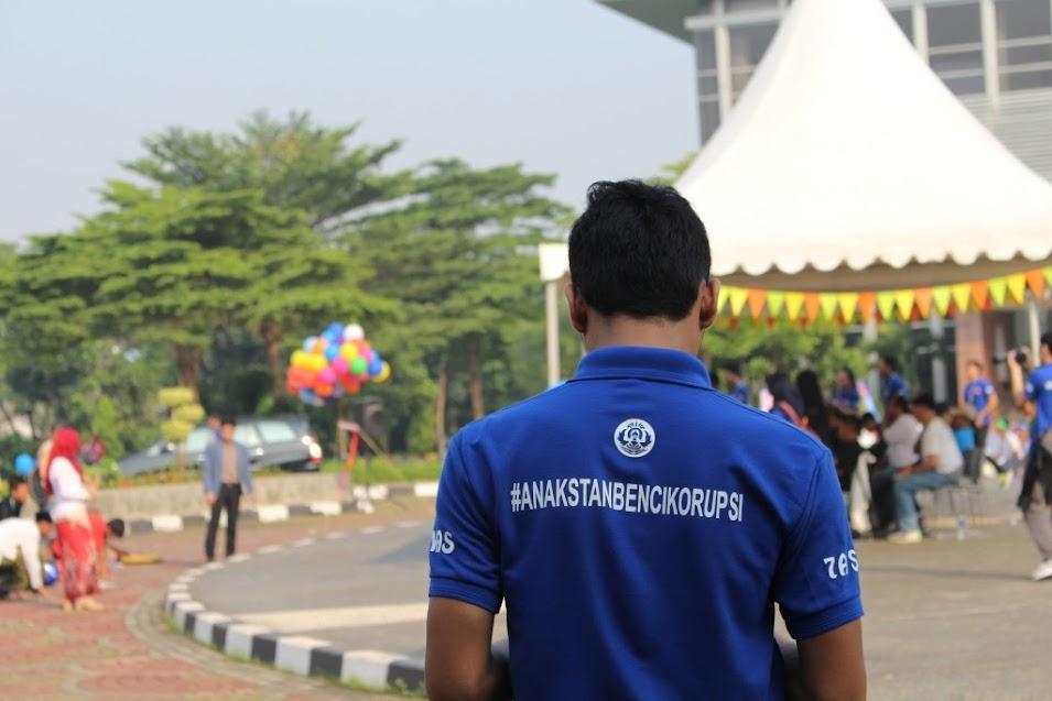 #AnakSTANBenciKorupsi merupakan tagline acara Anti Corruption Carnival 2015