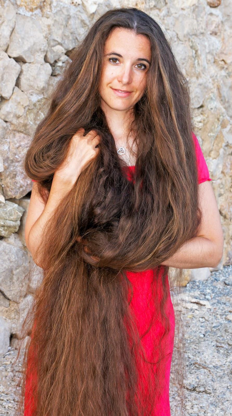 Marianne_Ernst,_Long_hair_model.jpg