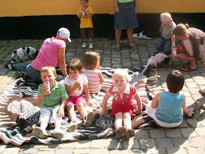 Photo: F-nest krijgt bezoek van de kindjes uit NORA haar klas