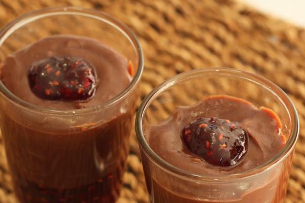 Brigadeiro de Chocolate Amargo com Geleia