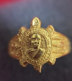 เเหวนพญาเต่าเรือนหลวงปู่หลิวรุ่นนำโชค เนื้อทองคำ ปี2539