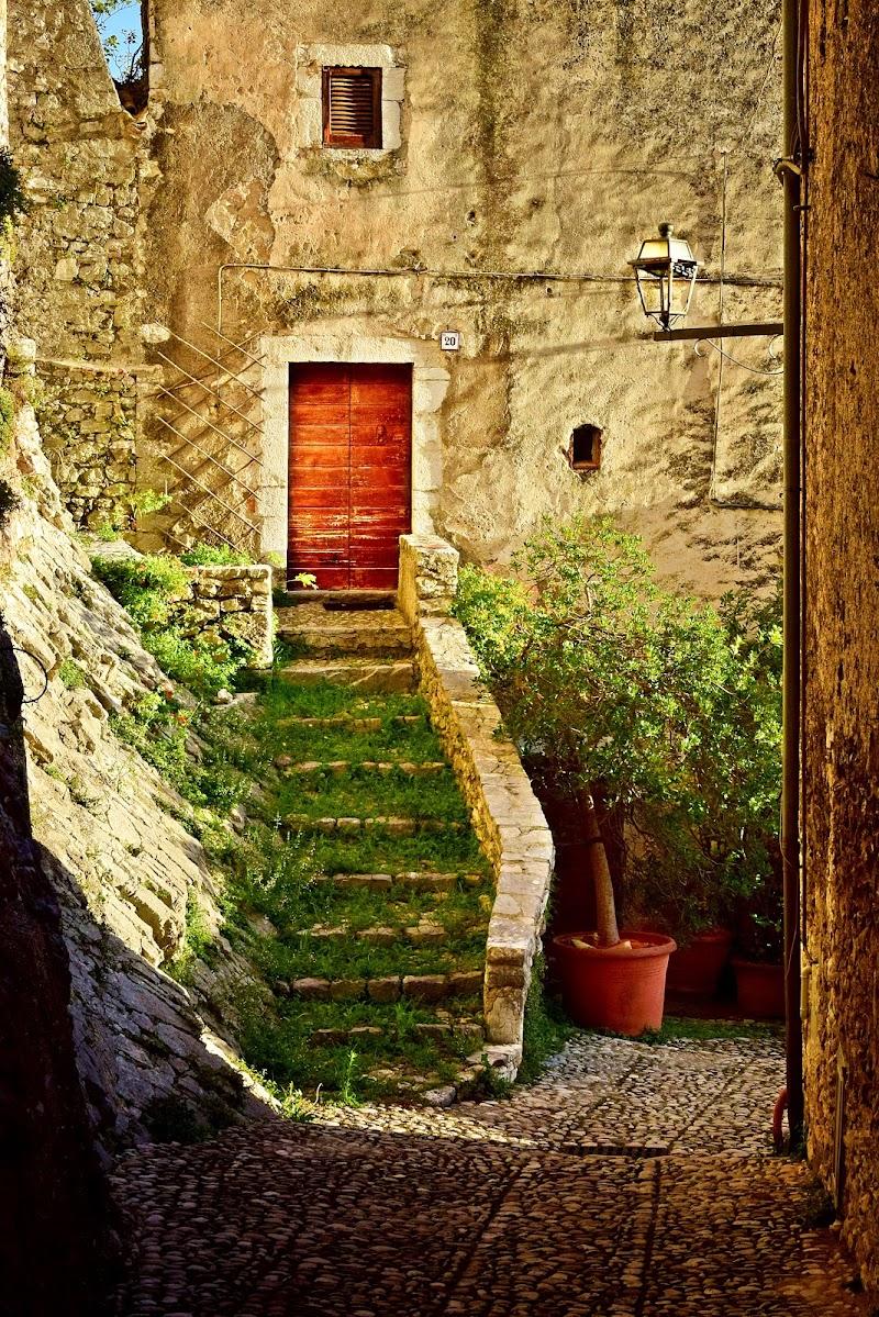 Alla fine delle scale di gianluca_simotti