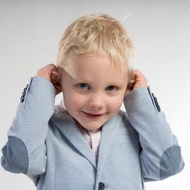by Gunnar Sigurjónsson - Babies & Children Child Portraits ( jól2018 )