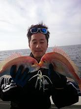 """Photo: サバの切り身付けて、レンコダブルキャッチ! ・・・今年はエサ釣り?の""""もりすぎさん""""です。"""