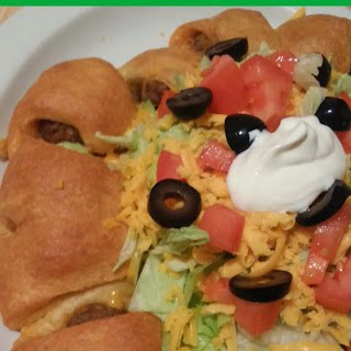 Taco Meatball Ring! Great Appetizer or Family Meal!