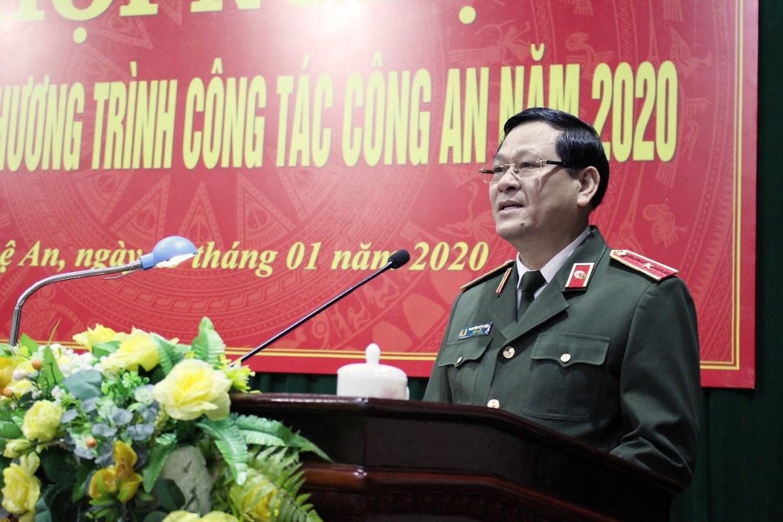 PGS. TS Nguyễn Hữu Cầu phát biểu tại Hội nghị